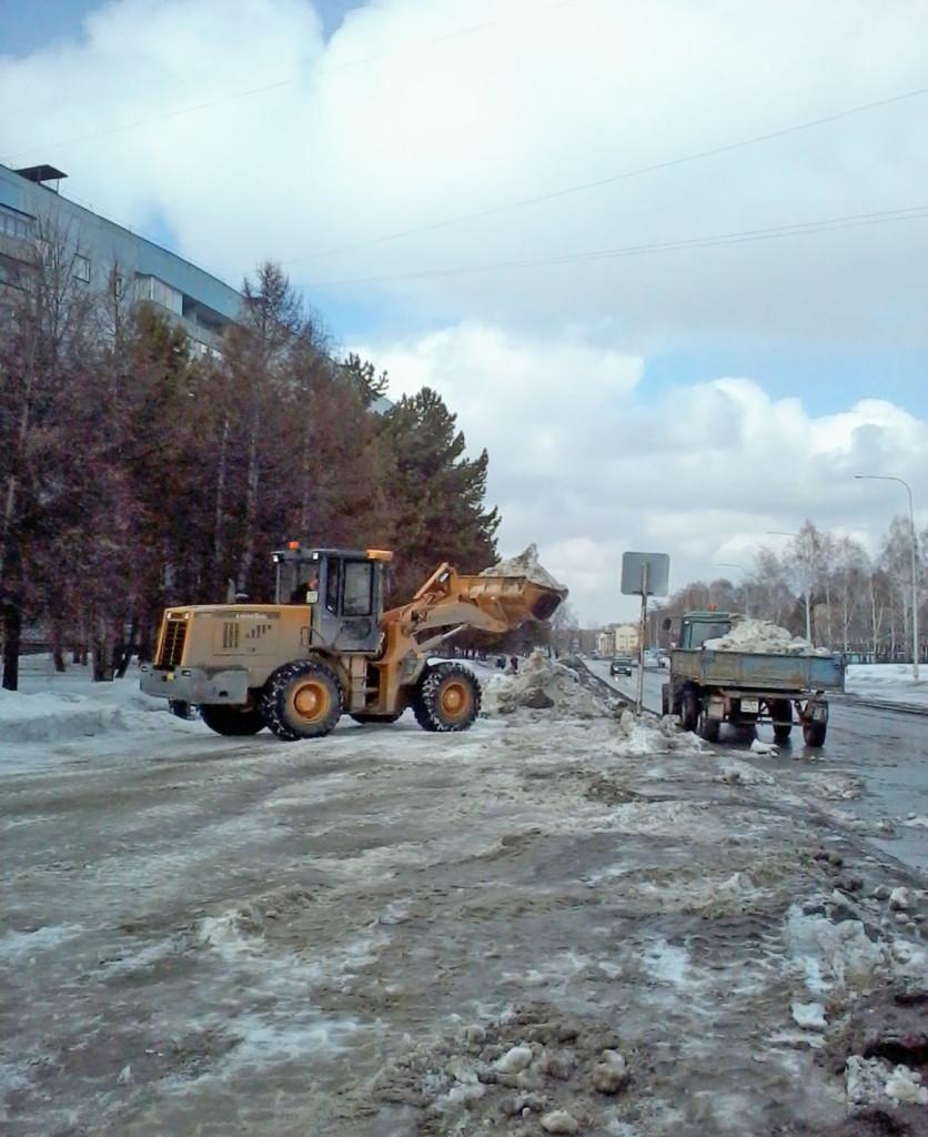 Уборка снега в Краснообске